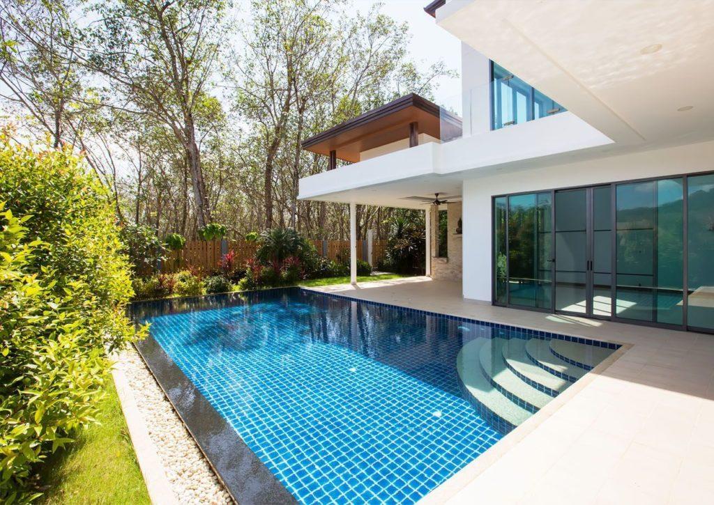 Construccion de piscina en vivienda en marbella - Trabajos GSC