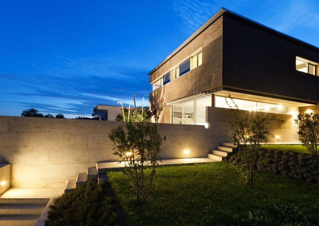 Detalle exterior vivienda de lujo - Trabajos GSC